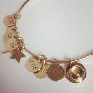 HJ_BESPOKE_Gold Baby Hair Bangle with P8s2