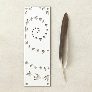 hj_shop_white_doorplate_fly_prop