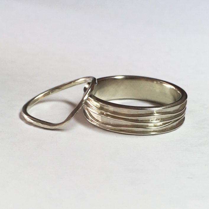 HJ_BESPOKE_HIS_AND_HERS_WEDDING_BANDS