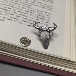 Sherlock-Bison-Skull-Pin
