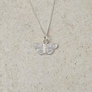HJ_SHOP_MINIBUTTERFLYPENDANT_SILVER_PRODUCT