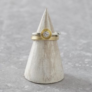 HJ_SHOP_RINGS_GOLDPOD_GOLDSPUN