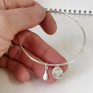 HBJ_BESPOKE_SILVER_REMEMBRANCE_BANGLE_APPLE_PIP